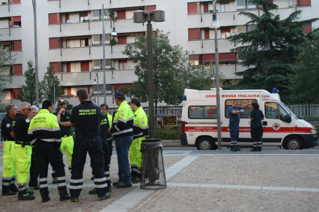 protezione civile e croce rossa